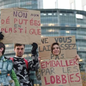 Nghị viện EU cấm sản phẩm nhựa xài một lần