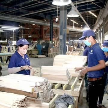 Ngành gỗ khởi sắc ở Đông Nam bộ