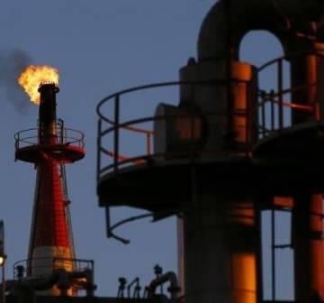 Giá dầu tăng hơn 2% sau các vụ tấn công tàu chở dầu ở vịnh Oman