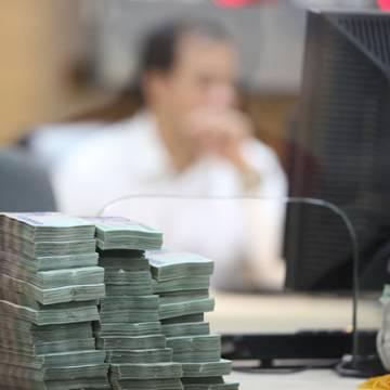 Lãi suất đang chịu nhiều áp lực từ căng thẳng thương mại Mỹ – Trung