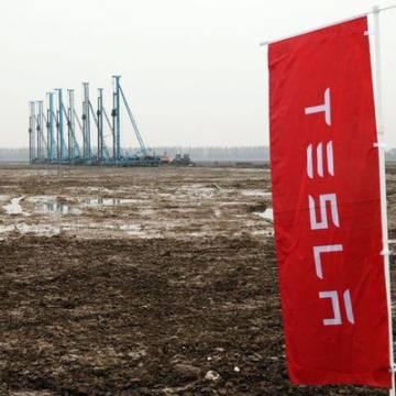 Tesla nhất trí đóng hơn 300 triệu USD tiền thuế đất ở Trung Quốc
