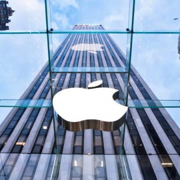 Ông Trump hứa 'trợ lực' cho Apple