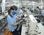 Ngành dệt may, da giày: làm cách nhật để duy trì hoạt động sản xuất
