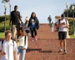 Bang California kiện chính phủ Mỹ về quy định buộc sinh viên nước ngoài về nước