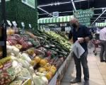 TP.HCM: Thực phẩm thiết yếu đội giá