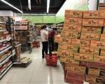 TP.HCM: Người dân khó mua mì gói và nhiều loại bột, bún khô