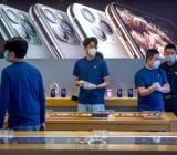 Apple lãnh đủ ở Trung Quốc, Samsung hưởng lợi nhờ sản xuất ở Việt Nam