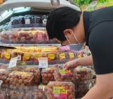 Vải thiều Việt Nam chính thức có mặt tại siêu thị Singapore