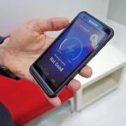 Công ty Nhật ra mắt smartphone sạc bằng năng lượng mặt trời