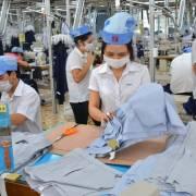86% lao động dệt may và điện tử có nguy cơ mất việc làm