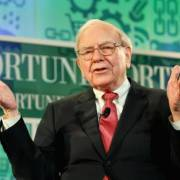 Công ty của tỷ phú Warren Buffett mua 1 tỷ USD cổ phiếu Apple