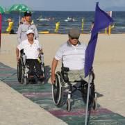 Đà Nẵng mở lối lên xuống bãi biển cho người khuyết tật