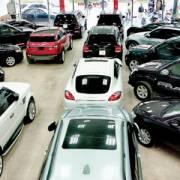 Các nhà nhập khẩu ô tô lo bị truy thu thuế