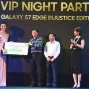 Samsung S7 Edge Injustice mã số 0001 có giá 360 triệu đồng