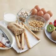 Trẻ dễ bị dị ứng thức ăn nếu dùng kháng sinh sớm