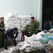 Lâm Đồng: Thu giữ 10 tấn phân bón giả do một cơ sở sản xuất chui