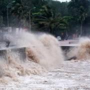 Hôm nay, bão số 7 tiếp tục gây mưa to tại Bắc Bộ và Bắc Trung Bộ