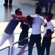 Cấm bay 2 hành khách đánh nữ nhân viên hàng không