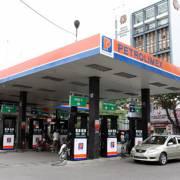 Quỹ bình ổn xăng dầu của Petrolimex còn dư 1.790 tỷ đồng