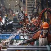 Nhà nước nên 'nhường sân' cho các thành phần kinh tế