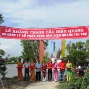 Điện Quang xây thêm một cây cầu cho học sinh Cà Mau