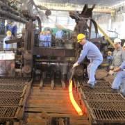 Tháng đầu năm, sản xuất và tiêu thụ thép giảm mạnh