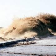 Đê kè miền Tây đang oằn mình trước sóng dữ