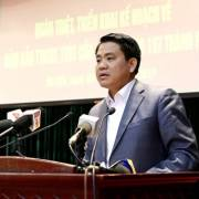 Chủ tịch Hà Nội nêu 3 bước để giành lại vỉa hè