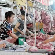 TPHCM: Gần 100% hộ bán sỉ ở hai chợ đầu mối thực hiện truy xuất nguồn gốc thịt heo