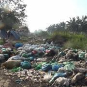 Bất lực với nạn đổ trộm rác thải ở vùng ven TPHCM