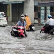 Người dân TPHCM tiếp tục chờ các dự án chống ngập lớn hoàn thành