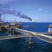 Khai thác thêm dầu thô, gỡ khó cho DN để đạt tăng trưởng 6,7%