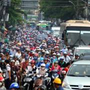 Làm thế nào để TPHCM có thể thay thế xe máy bằng xe buýt?