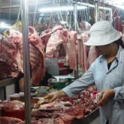 Giá heo hơi 'nhảy múa': miếng thịt lại bị đầu cơ?