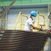 Nhập siêu của Việt Nam giảm còn 2,13 tỷ USD