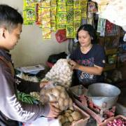 Các công ty khởi nghiệp ở Indonesia đang tạo ra cuộc cách mạng cho phép nông dân gạt bỏ thương lái