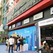 FPT thoái 40% vốn tại FPT Retail
