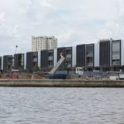 Bộ mặt Sài Gòn 'rỗ' từ bờ ra sông