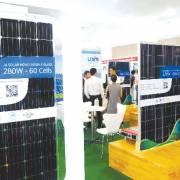 Pin mặt trời: 'Dấu ấn nhà đầu tư Trung Quốc, Đài Loan' và nỗi lo môi trường