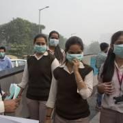 Delhi nghẹt thở vì khói đốt đồng