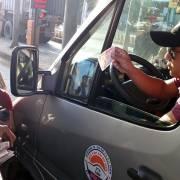 Tài xế lại đòi thối tiền lẻ 100 đồng tại trạm BOT Biên Hòa