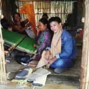 Thông Bahnar:  Duy trì nghề dệt thổ cẩm từ người trẻ