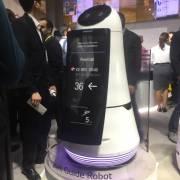 LG giới thiệu robot làm khách sạn, sân bay và siêu thị
