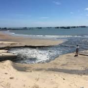 Nước thải đen xả ra biển Bình Thuận thuộc dự án nạo vét cảng La Gi