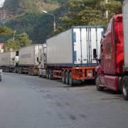 Nông sản lại ùn ứ ở cửa khẩu, chờ xuất sang Trung Quốc