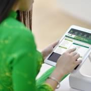 Khách hàng phản ứng với việc Vietcombank tăng phí dịch vụ