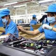 Tổ tư vấn kinh tế của Thủ tướng đề nghị chỉnh sửa 9 luật, gỡ bỏ 37 rào cản