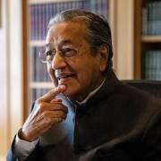 Thủ tướng Malaysia bất ngờ kêu gọi xem xét lại CPTPP