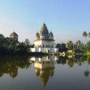 Puthia, tháp đền xưa lung linh miền xanh