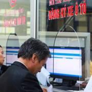 Đăng ký ôtô phải mở tài khoản ngân hàng: Vô lý!